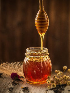 Top 10 natural home remedy for acne-honey for acne